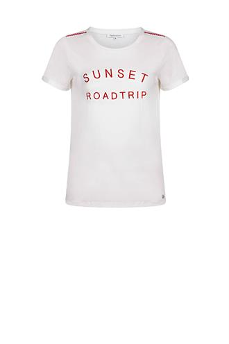 D20-90-402 t-shirt sunset road