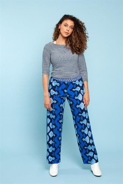 Mallorca snake trousers travel