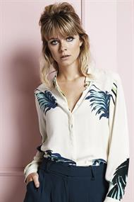 Perfect blouse tropical leaf