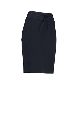 Rene skirt travel medium